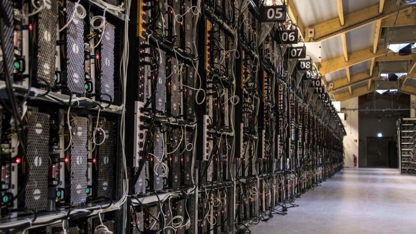 Bitcoin Hashrate'i Düşüşlerle Eriyor